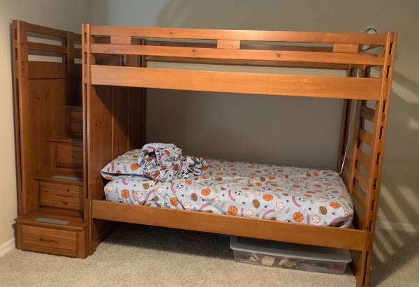 Canyon Furniture Company Twin Loft Step Bunk Beds Drawers 90h 706