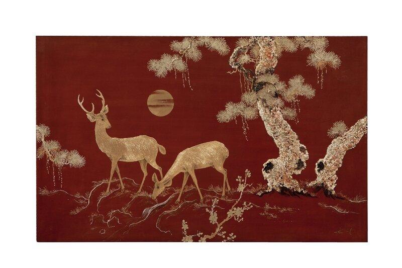 Thành Lễ, Panneau en laque rouge à décor or d'une biche et d'un cerf dans un paysage montagneux au soleil couchant, Vietnam, XXe siècle