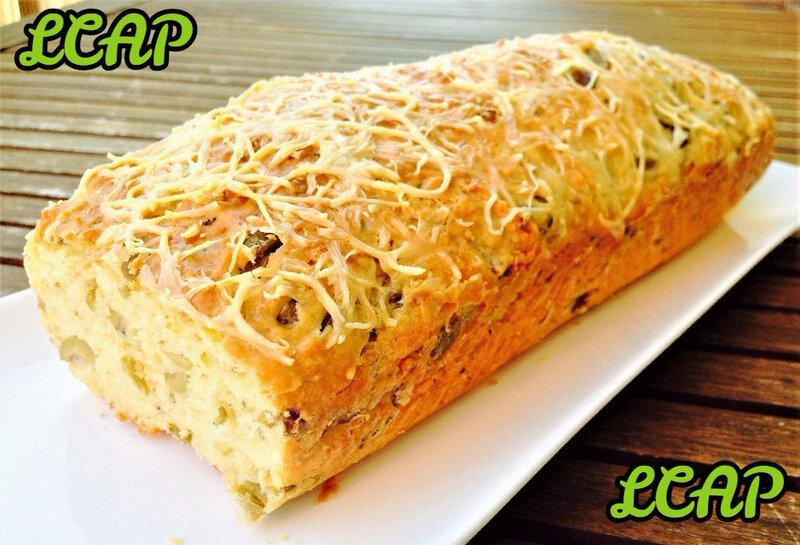 cake express aux olives vertes et mozzarella- la cuisine d'anna purple (1)