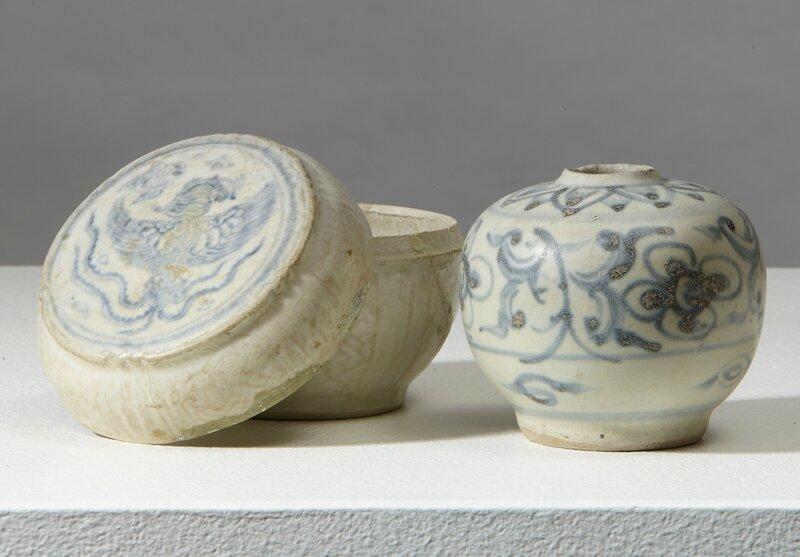 Une boîte à décor de phénix et une petit pot, Vietnam, dynastie des Lê, 16°siècle