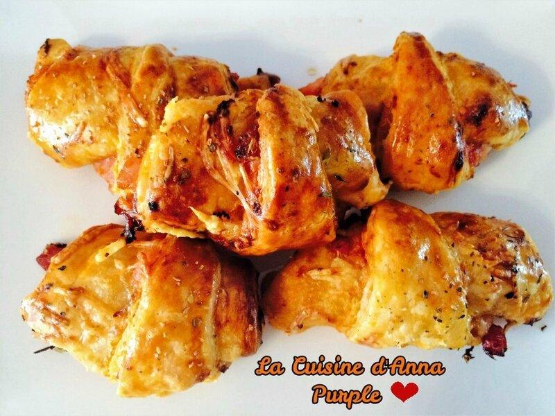 croissants aux lardons pesto rouge et emmental- la cuisine d'anna purple (1)