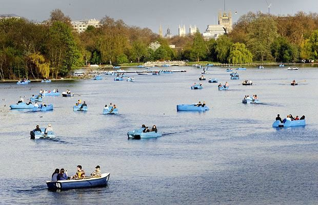 hyde-park-boating_1383615i