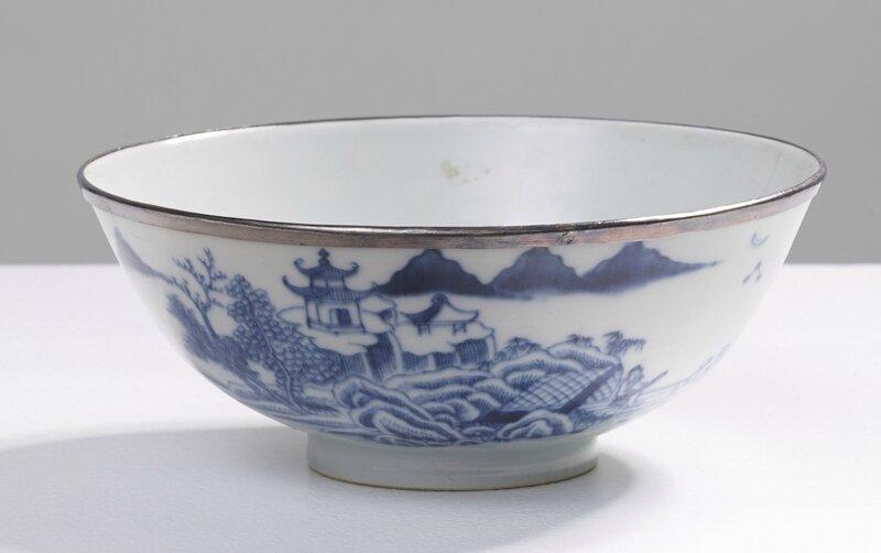 Bol de palais, Vietnam, dynastie des Nguyễn, Règne de Minh Mạng (1820-1840)