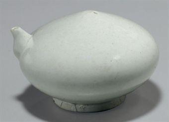 a_white_porcelain_water_dropper_joseon_dynasty_d5347209h