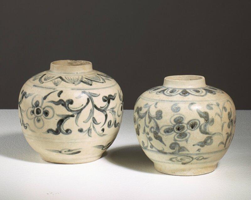 Lot de deux pots, Vietnam, dynastie des Lê, 15-16°siècle