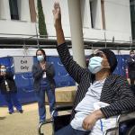 Virus pushes some California hospitals near ICU capacity 💥👩👩💥
