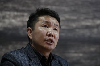 """""""It's a lie,"""" Dr. Choi Jung Hun says of North Korea's claim to have zero infections"""
