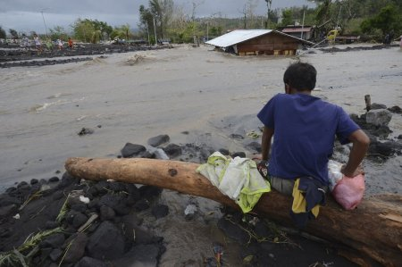 At Least 10 People Dead as Typhoon Goni Hits Eastern Philippines