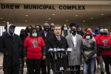 Woman injured in suburban Chicago police shooting says
