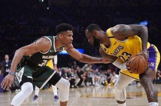 LeBron James' 37 points lead Lakers past Bucks 113-103