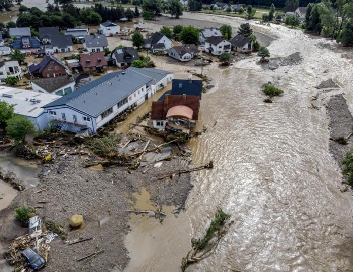 More than 30 dead, dozens missing in heavy Europe floods