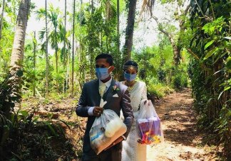 """Definition of """"unselfish"""": Sri Lanka newlyweds cancel wedding party choosing instead   to celebrate their love by feeding the poor"""