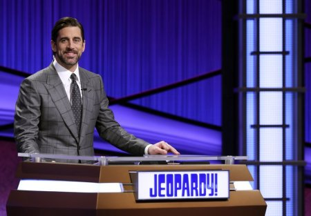 Aaron Rodgers Wants to be the Full-time Host of 'Jeopardy!' while Still Playing in NFL