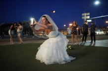 """Couples say """"I do"""" in Las Vegas"""