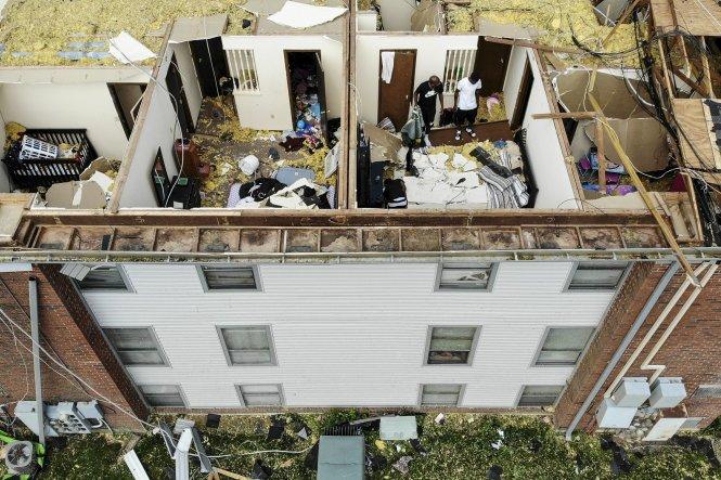 Storm Thrashes Nj Nyc Tornado Warning