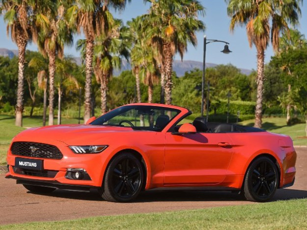 FORD MUSTANG 5.0 GT CONVERTIBLE AT Cabriolet Automatic