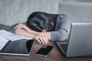 眠気を覚ます方法10選!試験前日や授業中に実践しよう