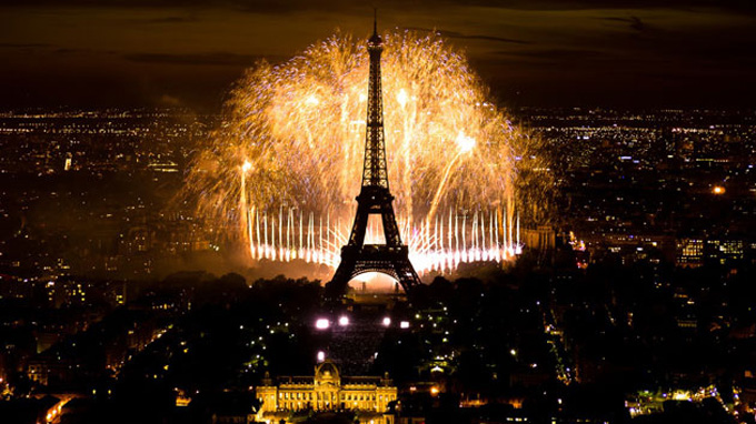 R    veillon 2  Where To Spend New Year s Eve in Paris   Frenchly Unsatisfied