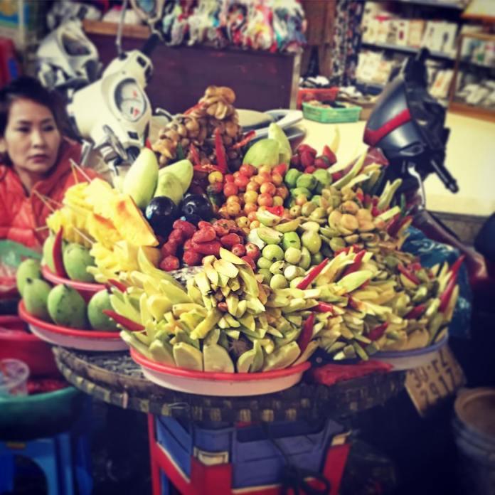 what to do in night market hanoi