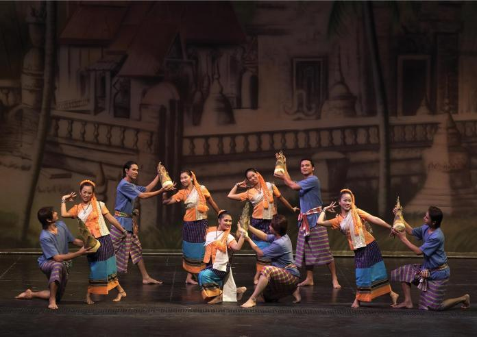 Festive performances with lavish costumes during Siam Niramit Bangkok Show