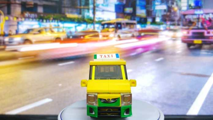A toy model of Thai Taxi
