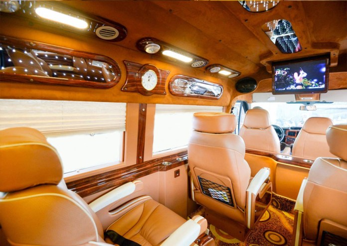 Transfer by limousine