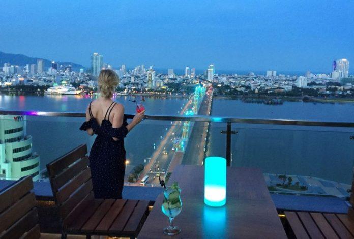 vanda top view bar