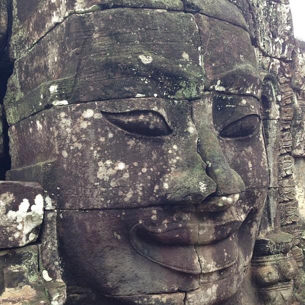 khuôn mặt cùng nụ cười tại Angkor