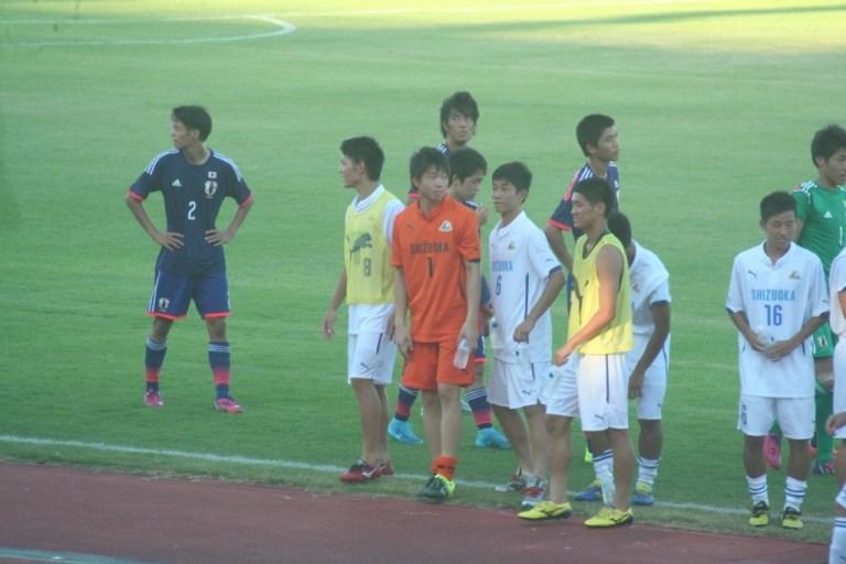 静岡ユースの背番号1、GK市川泰成(東海大翔洋)はフロンターレU-15出身。試合後には板倉と言葉をかわす場面も