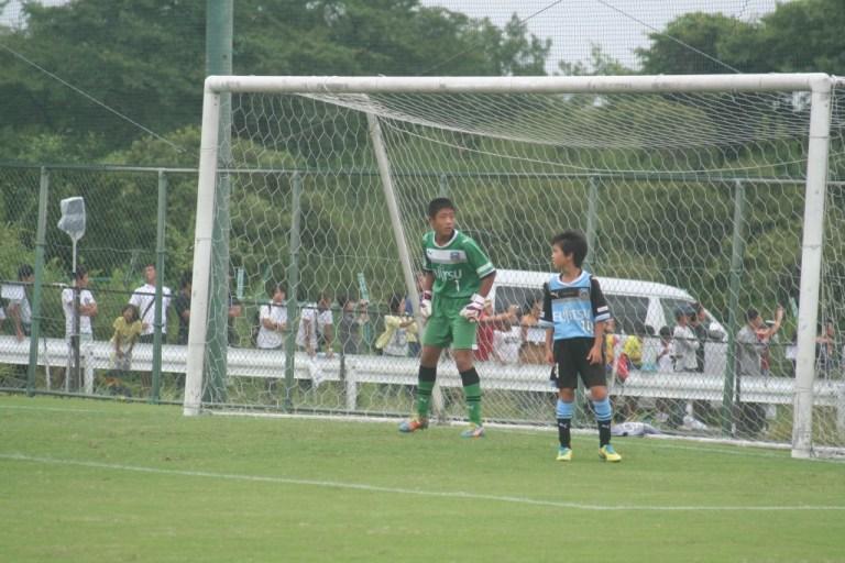 ゴールを守る青山選手。前半のみの出場