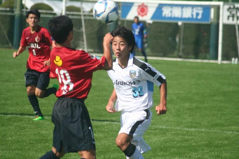 プレッシャーをかける村田聖樹選手