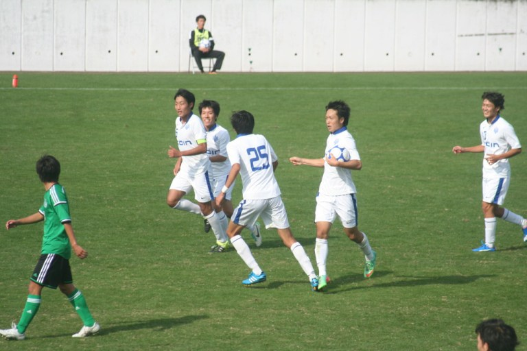追いついた桐蔭横浜の選手たち