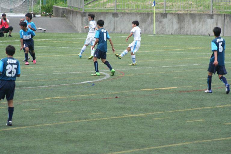 黒川海翔選手がゴールを決めて2-0に
