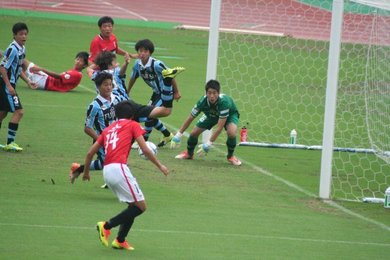 レッズの攻勢を受けるも早坂勇希選手の好守の場面が多かった