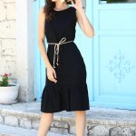 Women's Scoop Neck Sleeveless Black Dress