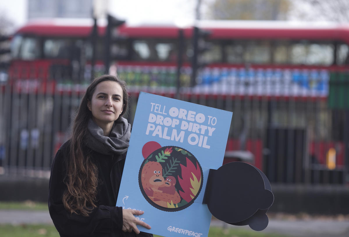 Tell Oreo to Drop Dirty Palm Oil Campaign Event in London. © John Cobb