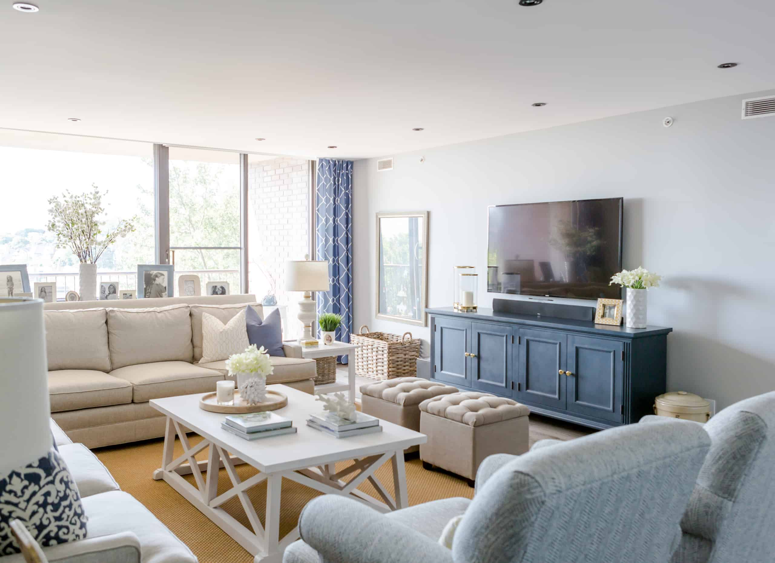 Large living room containing a pleasant amount blue