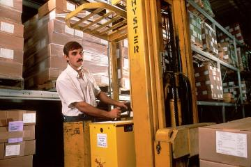 featured image of the blog titled The Advantages of Using a Forklift Truck for Your Business
