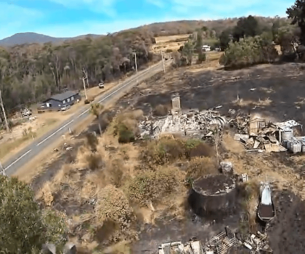 A Quadcopter View of the Jan-13 Tasmanian Fires-by Rian Taylor-45
