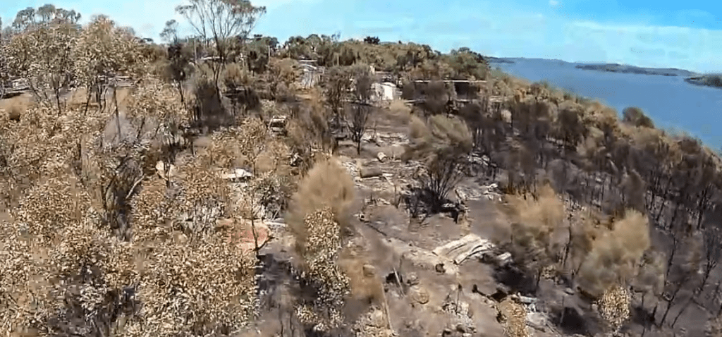 A Quadcopter View of the Jan-13 Tasmanian Fires-by Rian Taylor-46
