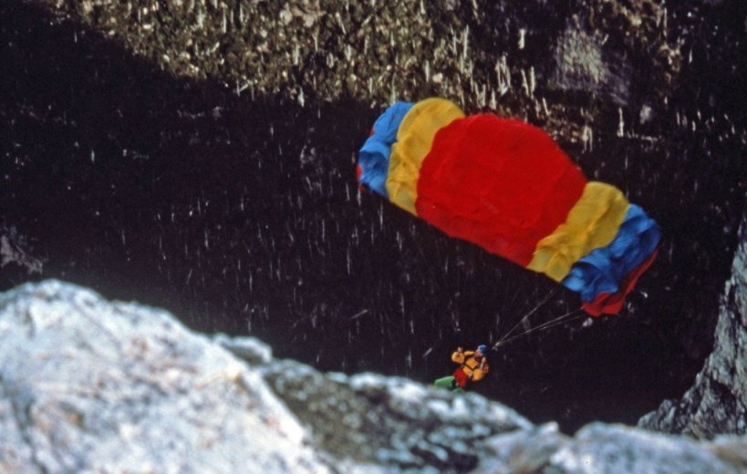 BASE Jump Frenchmans 12_Chris_OffheadingOpening_April1989_UnknownBASE Jump Frenchmans grapher