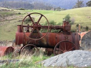 The Olbrich steam engine- Huon Valley Apples - Images Via Beth Hall