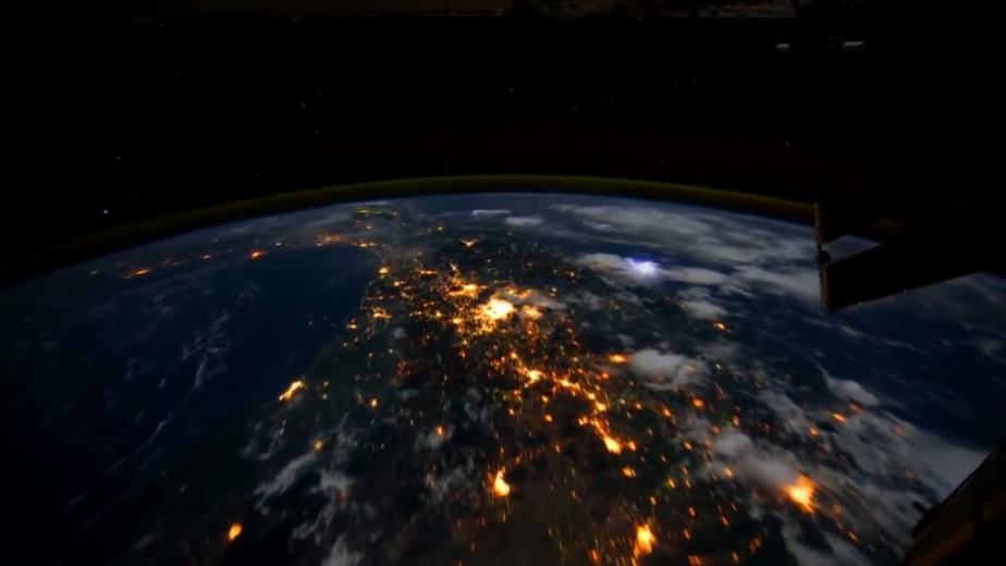 Orbit Timelapse - Intl Space Station - compiled by Selmes Films via NASA - 20