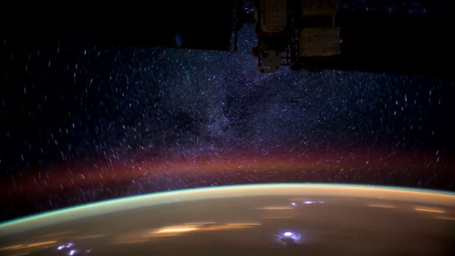 Orbit Timelapse - Intl Space Station - compiled by Selmes Films via NASA - 41