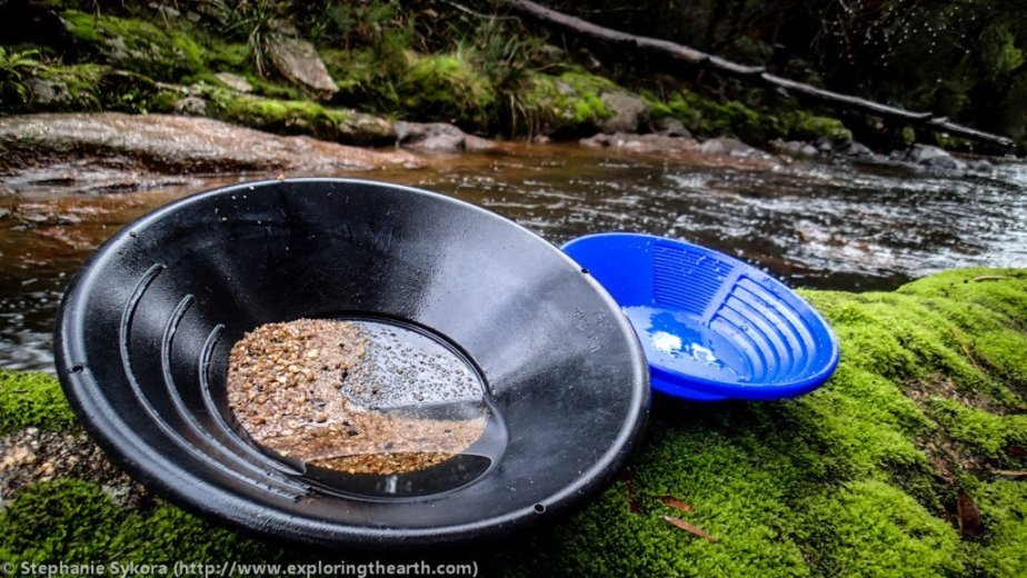 How to Find Sapphires - The pans - by Stephanie Sykora