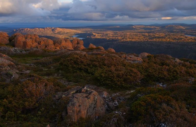 Looking south to the Traveller Range- by Becca Lunnon_Rock Monkey Adventures
