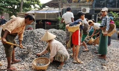 myanmar road workers