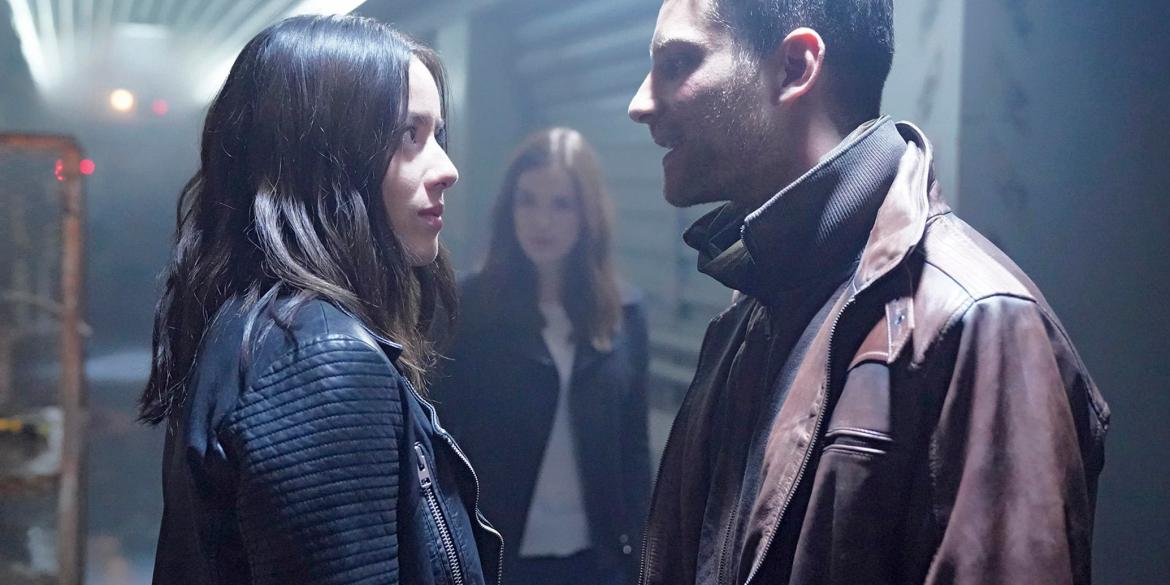 """MARVEL'S AGENTS OF S.H.I.E.L.D. - """"Orientation (Part One)"""" - Coulson and the team find themselves stranded on a mysterious ship in outer space, and that's just the beginning of the nightmare to come, when """"Marvel's Agents of S.H.I.E.L.D."""" returns for its highly anticipated fifth season with a special two-hour premiere, FRIDAY, DEC. 1 (8:00-10:01 p.m. EST), on The ABC Television Network. (ABC/Jennifer Clasen)"""