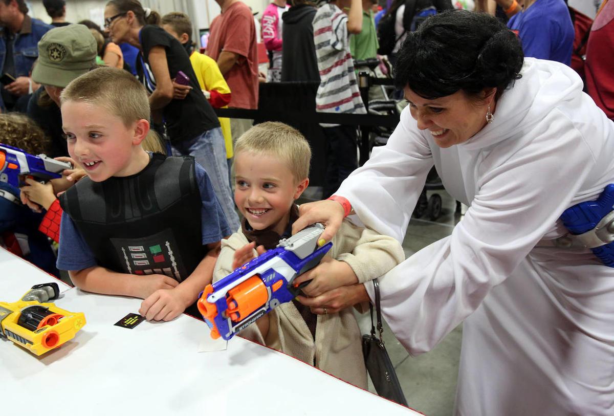 Kids at SDCC having a blast, literally.