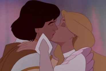 Odette and Derek kissing.